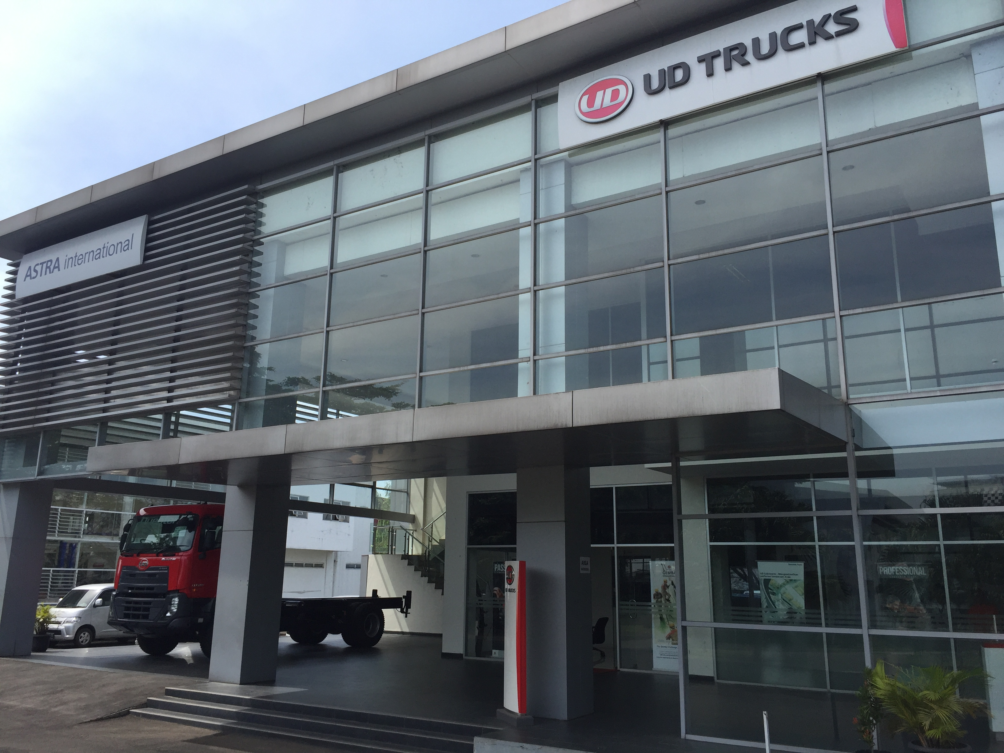 PT AI - UD TRUCKS SALES OPERATION Cabang Bandung