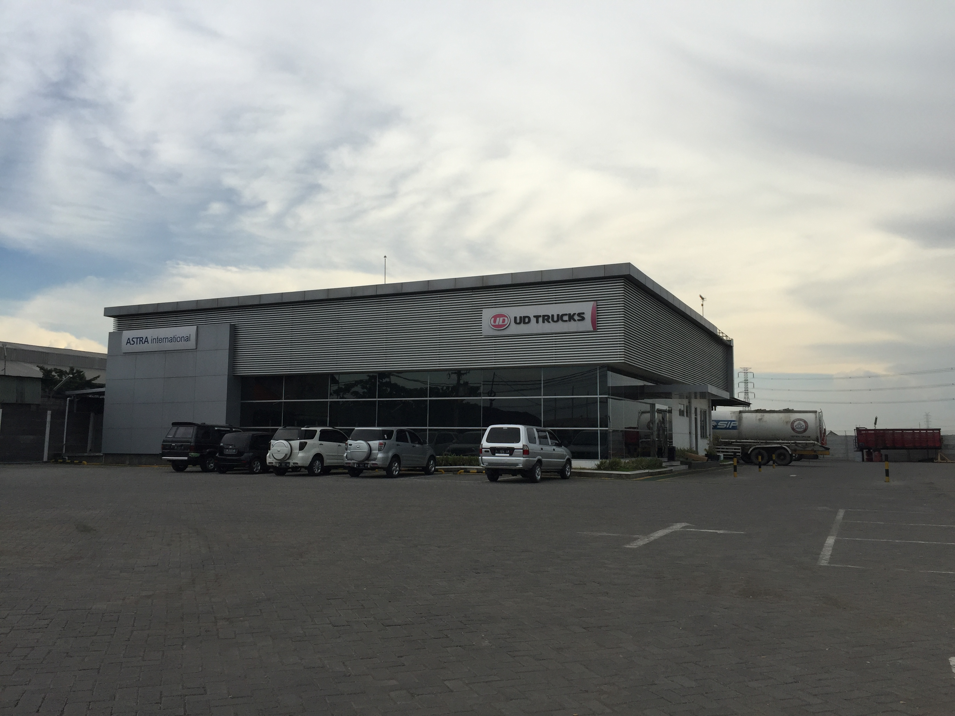 PT AI - UD TRUCKS SALES OPERATION Cabang Romokalisari