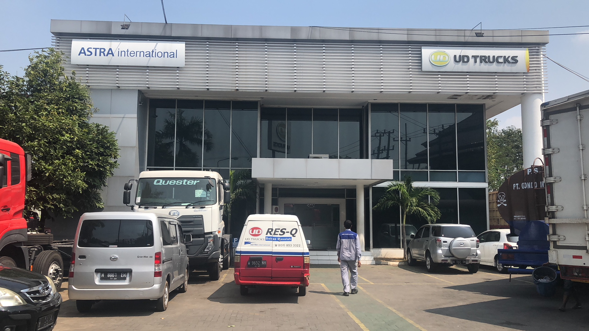 PT AI - UD TRUCKS SALES OPERATION Cabang Surabaya
